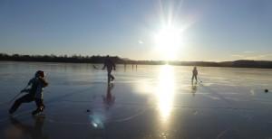 På Svelle mellom Fet, Rælingen og Lillestrøm kan det være supre forhold for skøytegåing på natur-is!